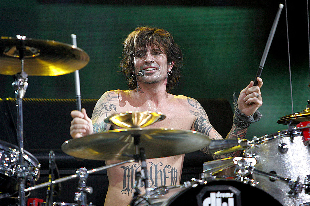 Motley Crue's Tommy Lee: Summer 'Stadium Tour' 'Still a Go'
