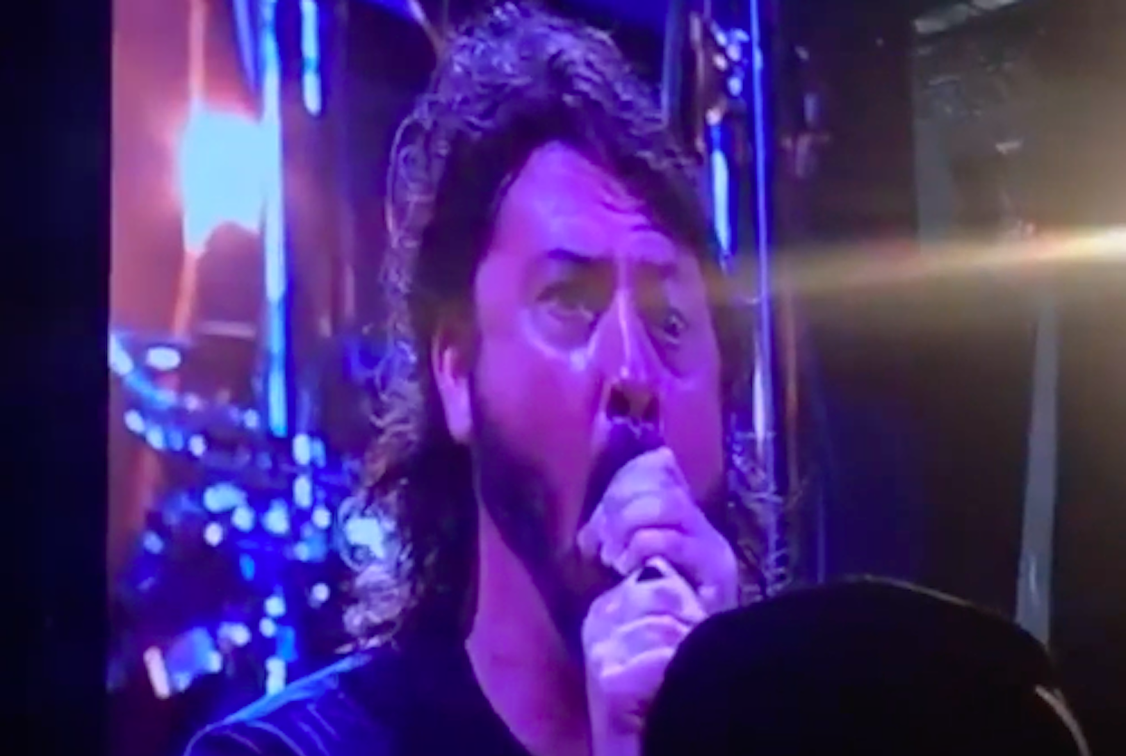 Watch Dave Grohl Mock Death Growls + Backing Tracks During Foo Fighters Performance
