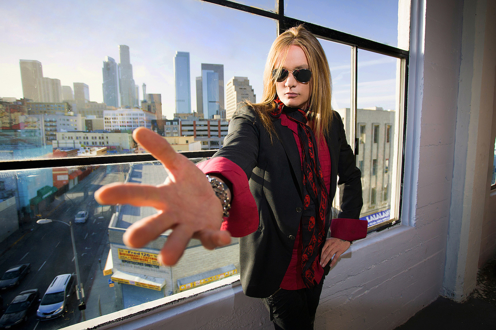 Sebastian Bach Reflects on the Impact of Skid Row's Debut Album – Interview