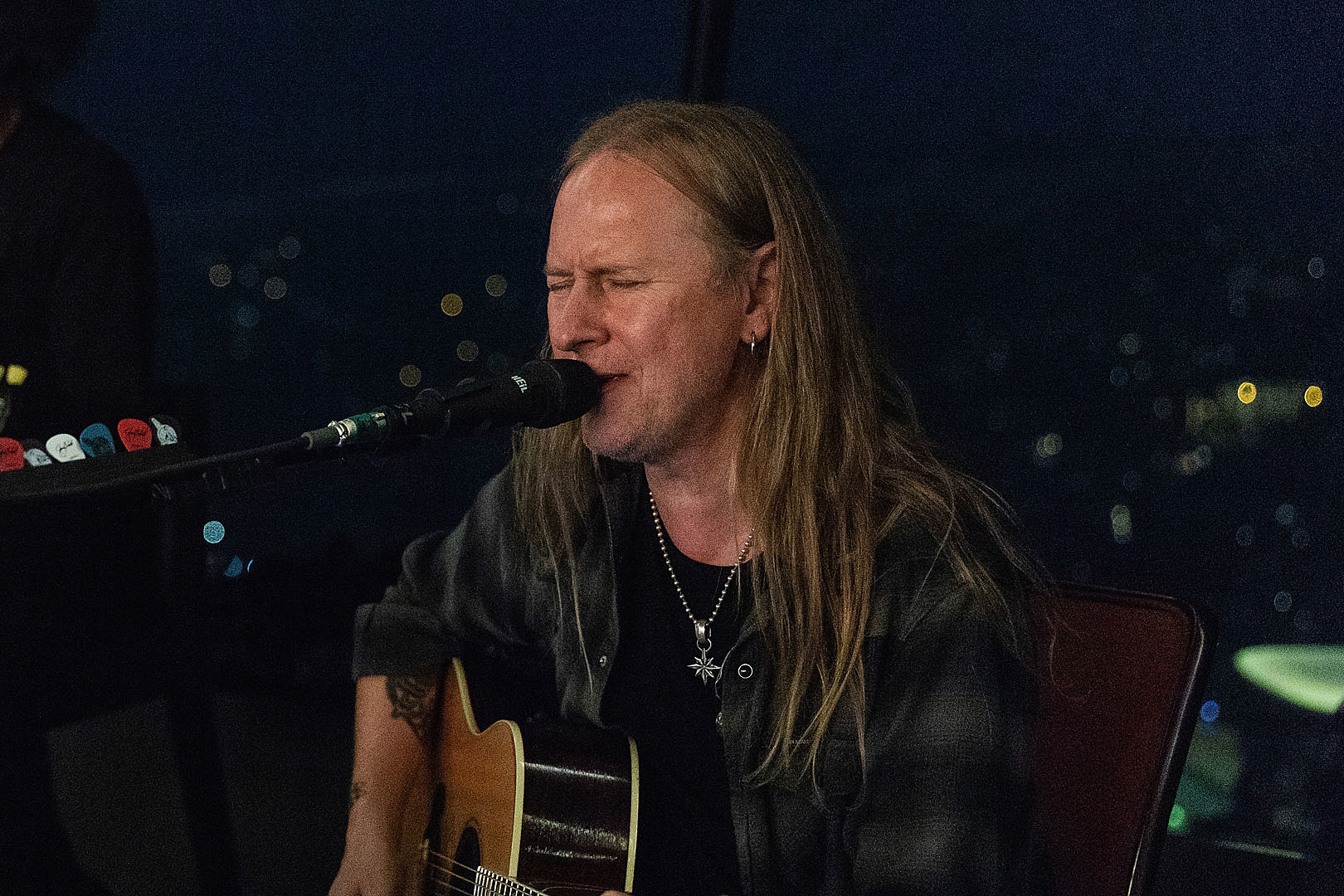 Jerry Cantrell Welcomes Greg Puciato, James Lomenzo + More at L.A. Solo Show